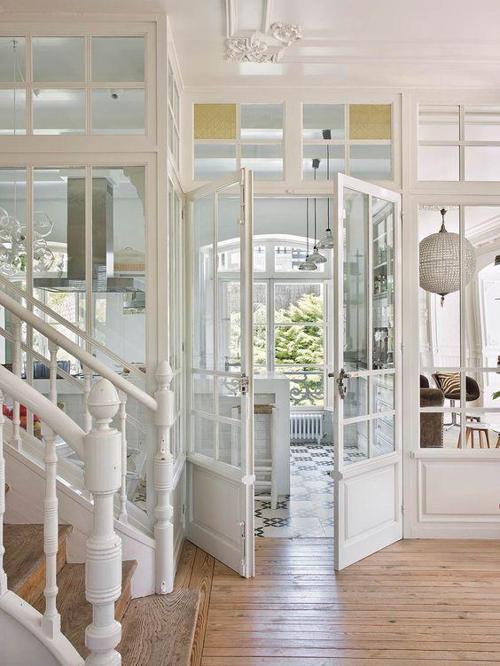 galeria de madera y cristal para contener la cocina -ramisa projects and fun