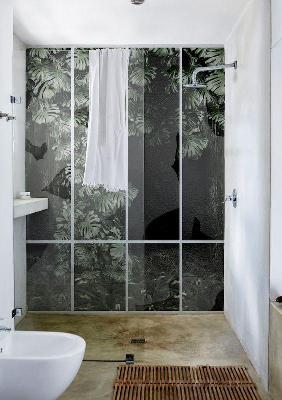 papel wet system imitando un bosque tropical de wallanddeco