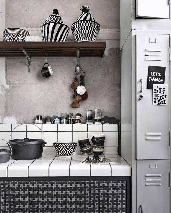 decoralinks | black and white kitchen with vintage locker and concrete wall - vtwonen