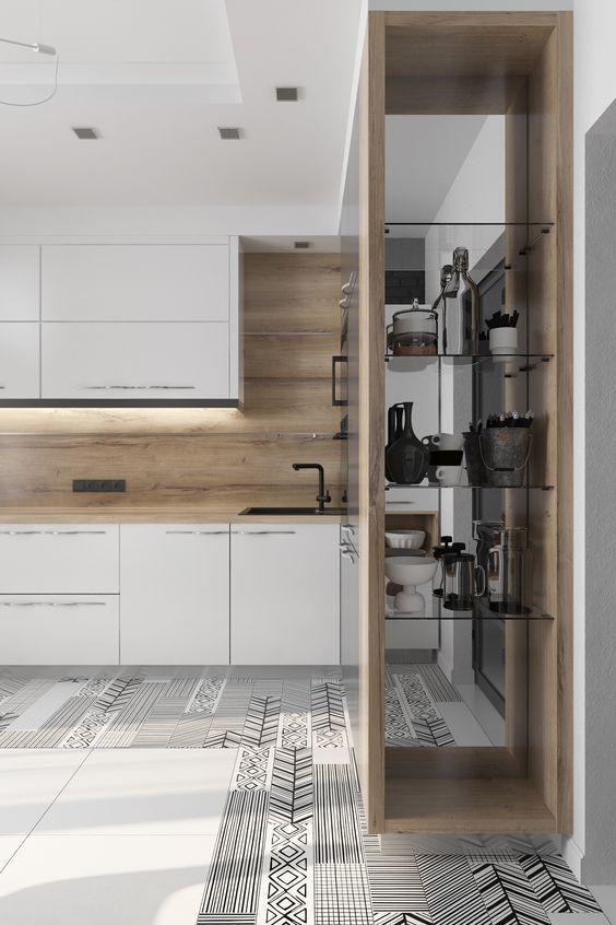 decoralinks | mueble de cocina de suelo a techo con lateral de espejo y estanterias