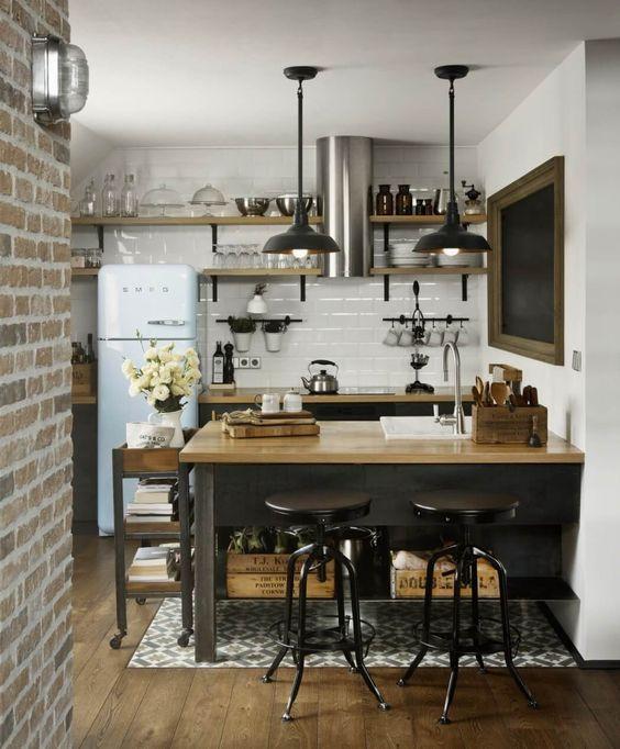 decoralinks | apartamento loft industrial - cocina con isla y taburetes de metal