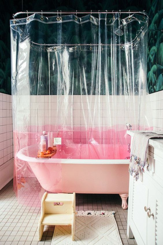 decoralinks | combinaciones color antidrepresivas ducha con cortinas transparentes y base rosa