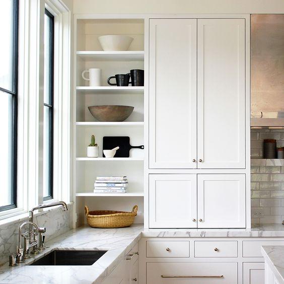 decoralinks | cocinas blancas con marmol y azulejo metro