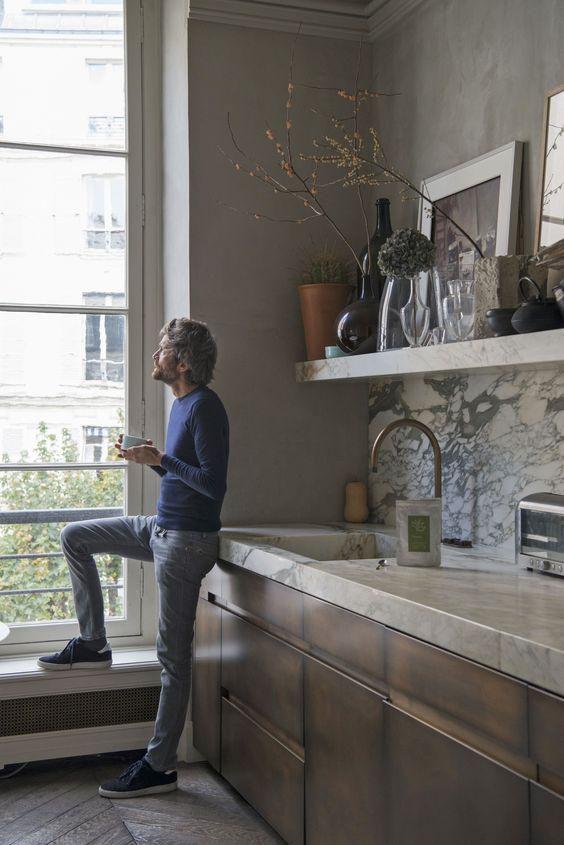 decoralinks | cocina de madera con encimera de marmol