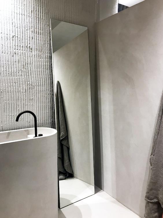 #bathroom #espejodepie #lavabodepie#estudioquerencia #microcemento