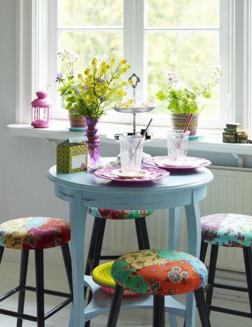 Como usar os móveis restaurados na minha decoração?