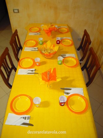 Idee per apparecchiare la tavola con piatti monouso