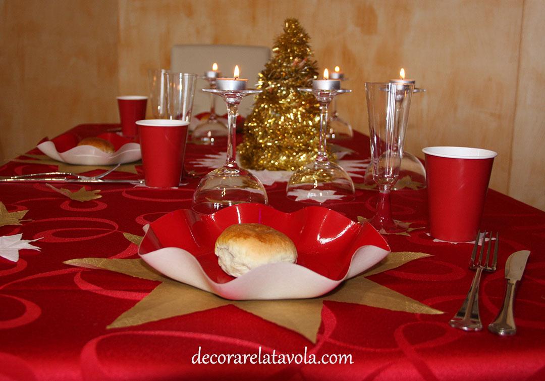 Decorare tavola di natale con stelle decorare la tavola - Disposizione bicchieri a tavola ...