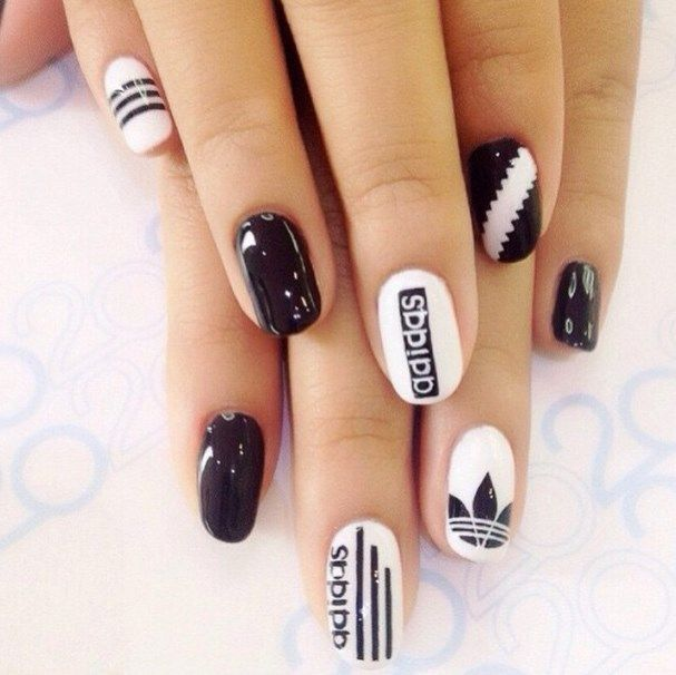 uñas decoradas blanco y negro 12