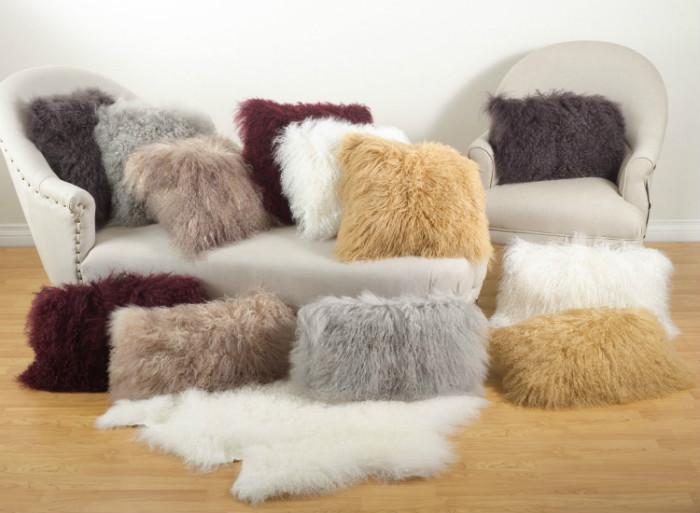 Από τις καλύτερες προβιές (εκπληκτικές για μαξιλάρια) είναι αυτές που έχουν πλεχθεί από μαλλί προβάτου Μογγολίας. Το προβατάκι ζει, μην τρομάζετε!