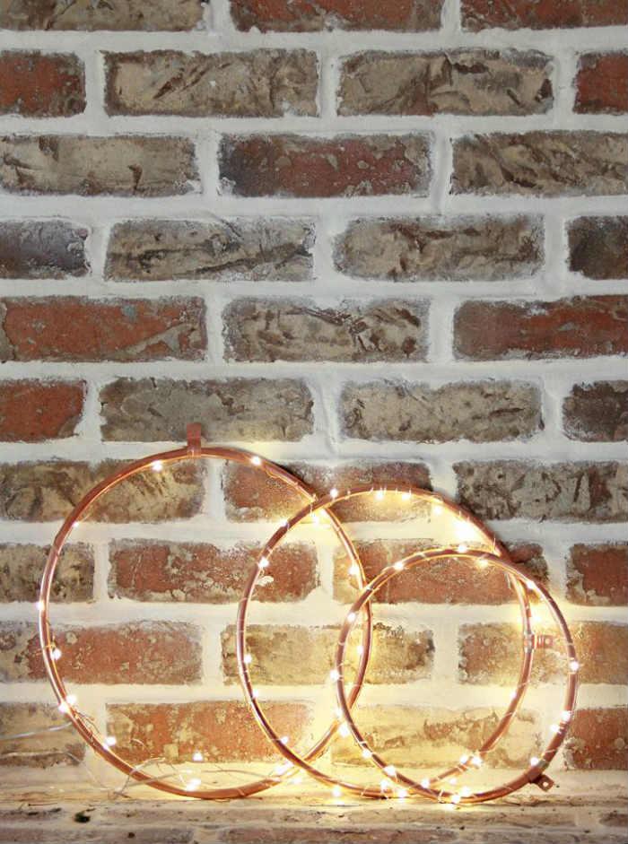 χαλκινα στεφανια πλεγμενα με συρματινα φωτακια