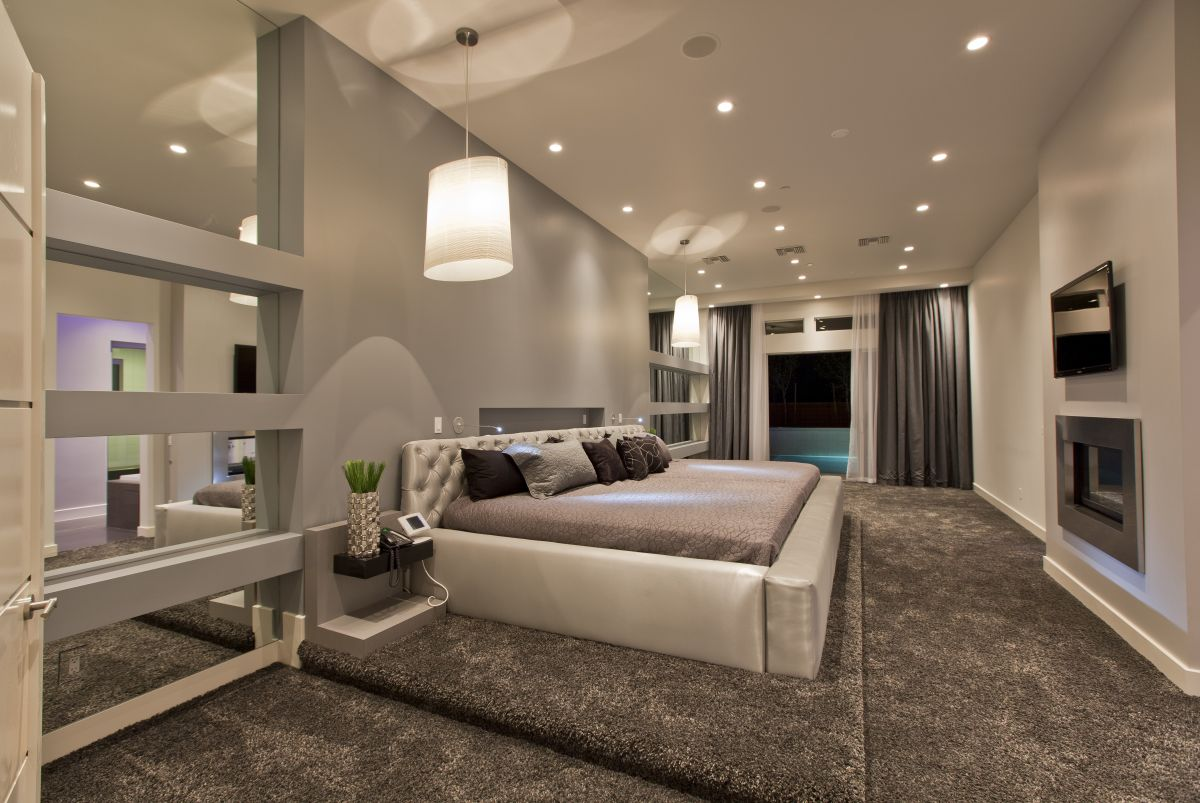 Top 10 Most Luxury and Elegant Bedroom in The World ... on Best Master Room Design  id=90067