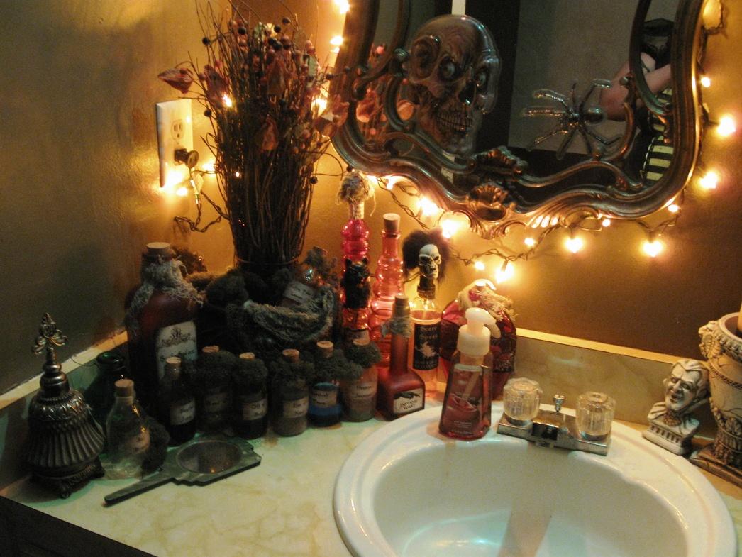 Bathroom Halloween Decorations Inspiration