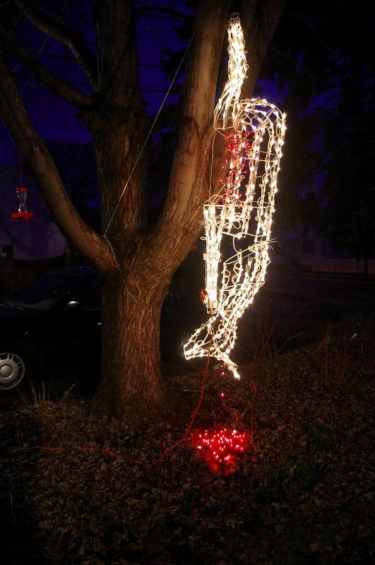 30 Amazing Hanging Christmas Decorations Ideas