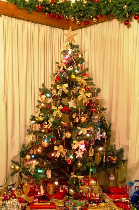 Christmas Tree Decorations Fine Design