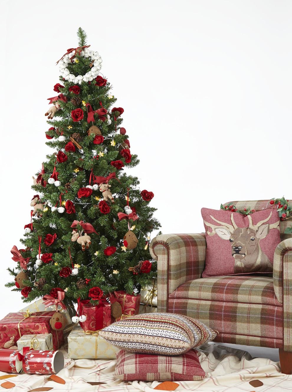 Country Charm Christmas Tree