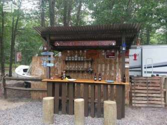 DIY OUTDOOR BAR IDEAS 25