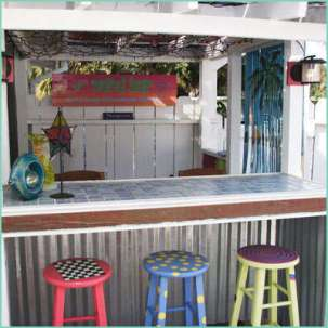 DIY OUTDOOR BAR IDEAS 53