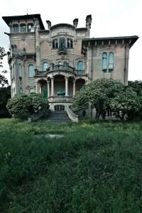 Abandoned Houses 12