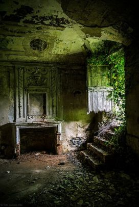 Abandoned Houses 38