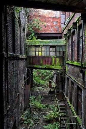 Abandoned Houses 62