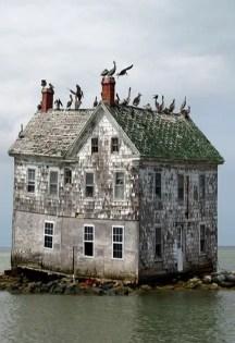 Abandoned Houses 89
