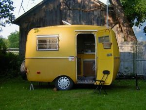 Cheap And Easy Ways To Decorate Your RV Camper 43