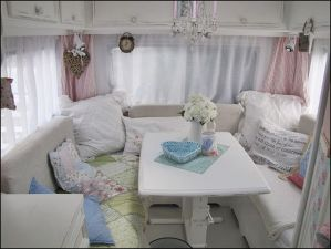 Cheap And Easy Ways To Decorate Your RV Camper 47