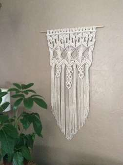 DECORATIVE WALL HANGINGS 103
