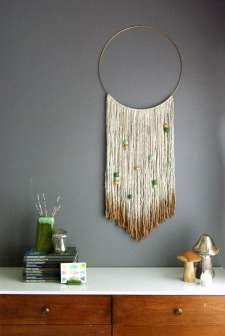 DECORATIVE WALL HANGINGS 105