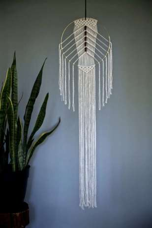 DECORATIVE WALL HANGINGS 109