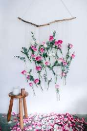 DECORATIVE WALL HANGINGS 125