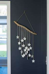 DECORATIVE WALL HANGINGS 137
