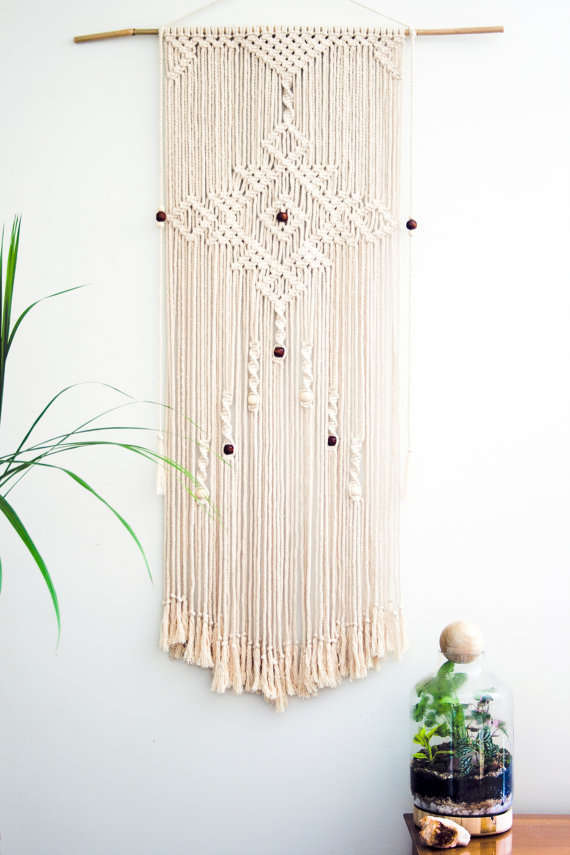 DECORATIVE WALL HANGINGS 147