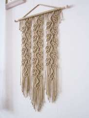 DECORATIVE WALL HANGINGS 50