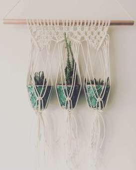 DECORATIVE WALL HANGINGS 88