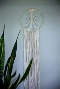 DECORATIVE WALL HANGINGS 94