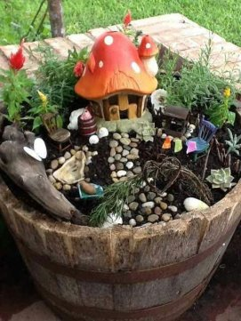 Magical And Best Plants DIY Fairy Garden Inspirations 24