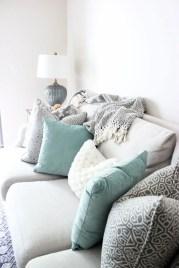 Bright Living Room Decor Ideas 13