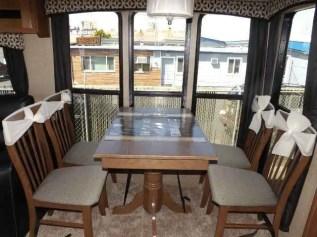 Bright Living Room Decor Ideas 131