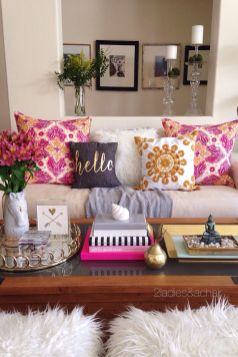 Bright Living Room Decor Ideas 24