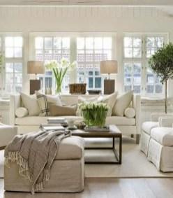Bright Living Room Decor Ideas 31