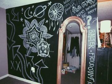 Chalk Wall Bedroom Ideas 25
