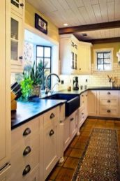 European Farmhouse Kitchen Decor Ideas 122