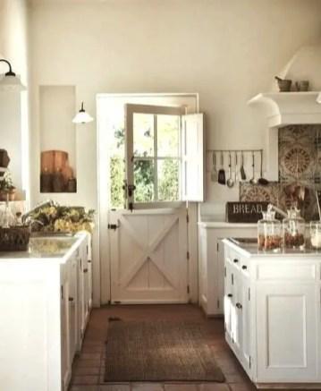 European Farmhouse Kitchen Decor Ideas 55