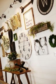 Farmhouse Gallery Wall Ideas 31