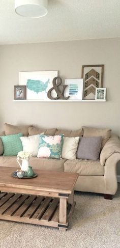 Farmhouse Gallery Wall Ideas 43