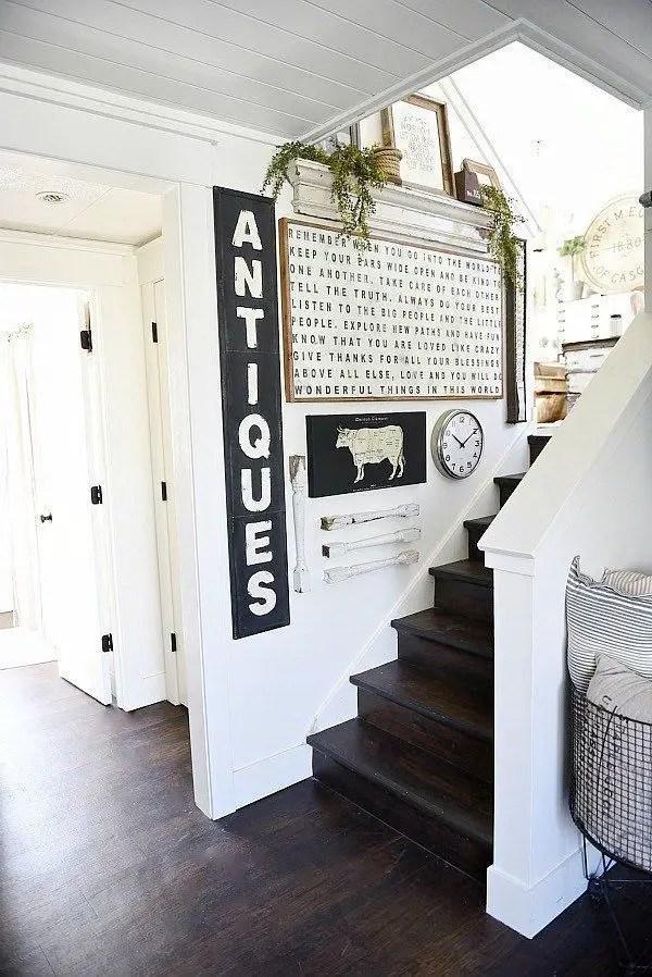 Farmhouse Gallery Wall Ideas 51