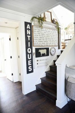 Farmhouse Gallery Wall Ideas 51