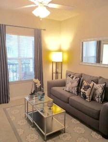 Small Apartment Bedroom Decor 104